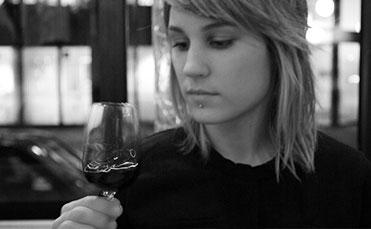 wine_swirl_bw_thumbnail_small